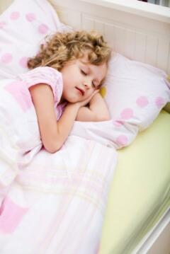 Почему для детей важен сон на ортопедическом матрасе?